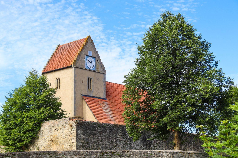 Die Wehrkirche in Kaltensundheim